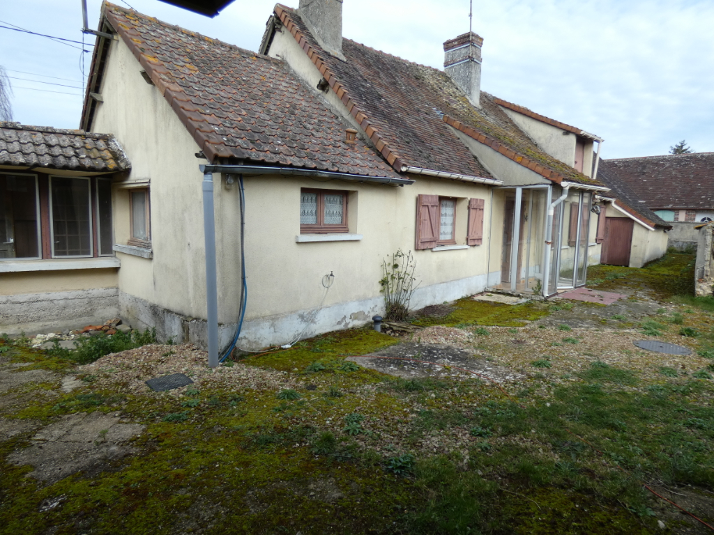maison à rénover (10 min Dreux)