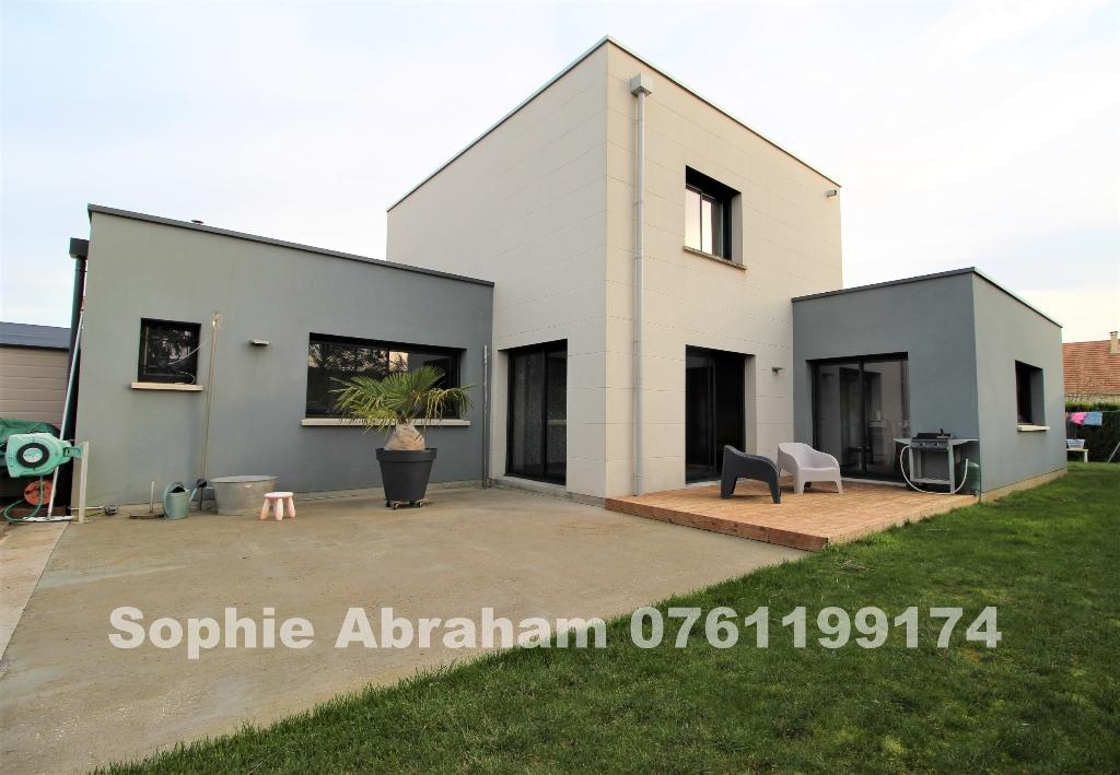 Maison contemporaine BBC , 3 chambres, garage de 48 m², jardin avec piscine