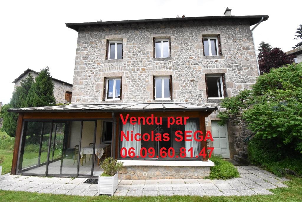 Dunières, 43220, Maison  8 pièces,160 m² habitables sur 684 m² de terrain