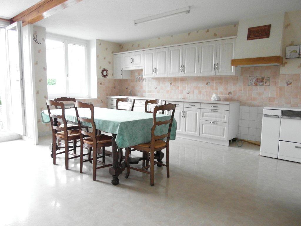 maison 80m² habitables2/3 chambres, garage, cave, grenier
