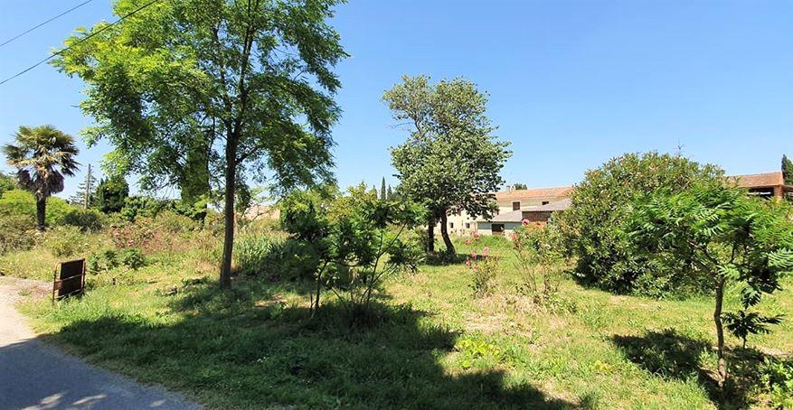Terrain proche Castelnaudary 897 m2 hors lotissement viabilisée