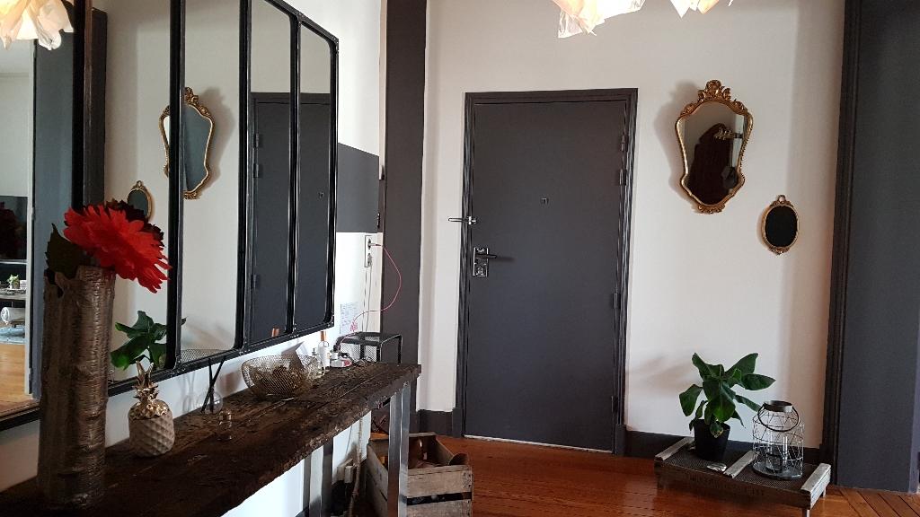 Bel Appartement  ancien Saint Quentin centre 195 m2
