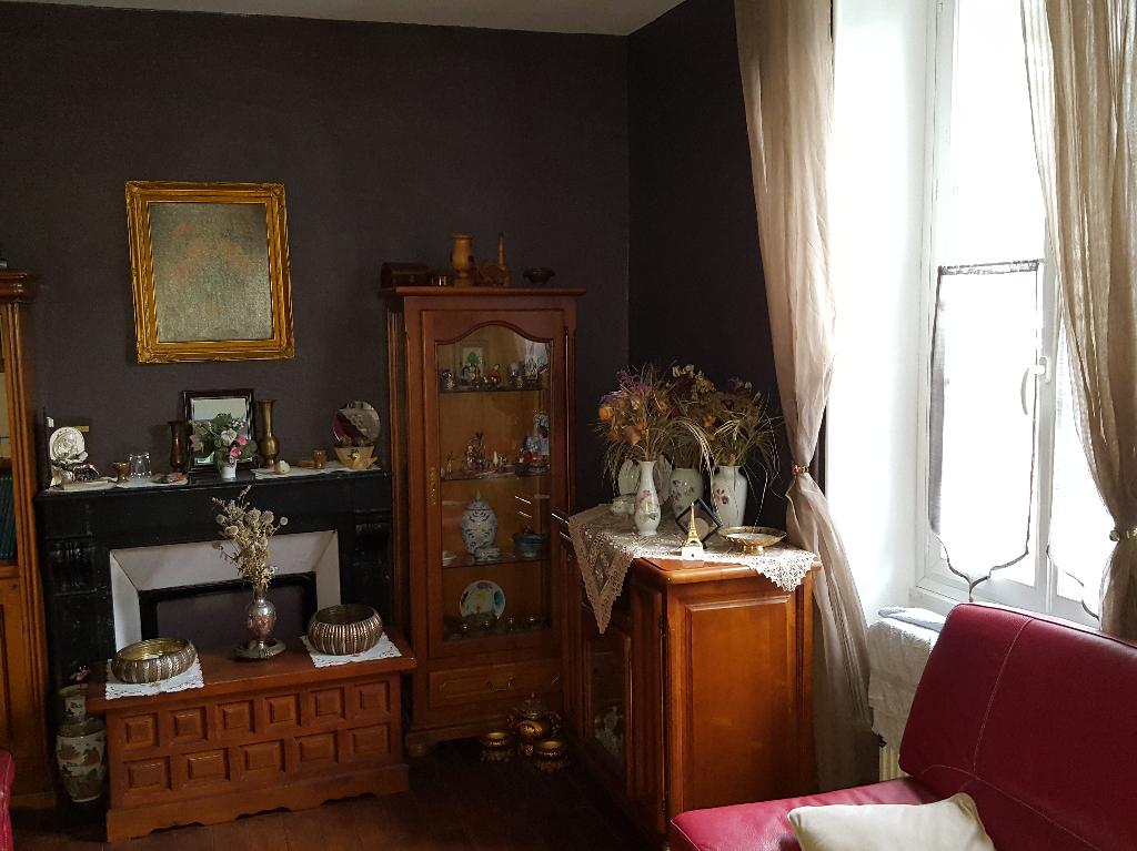 Maison Bourges 7 pièce(s) 121 m2