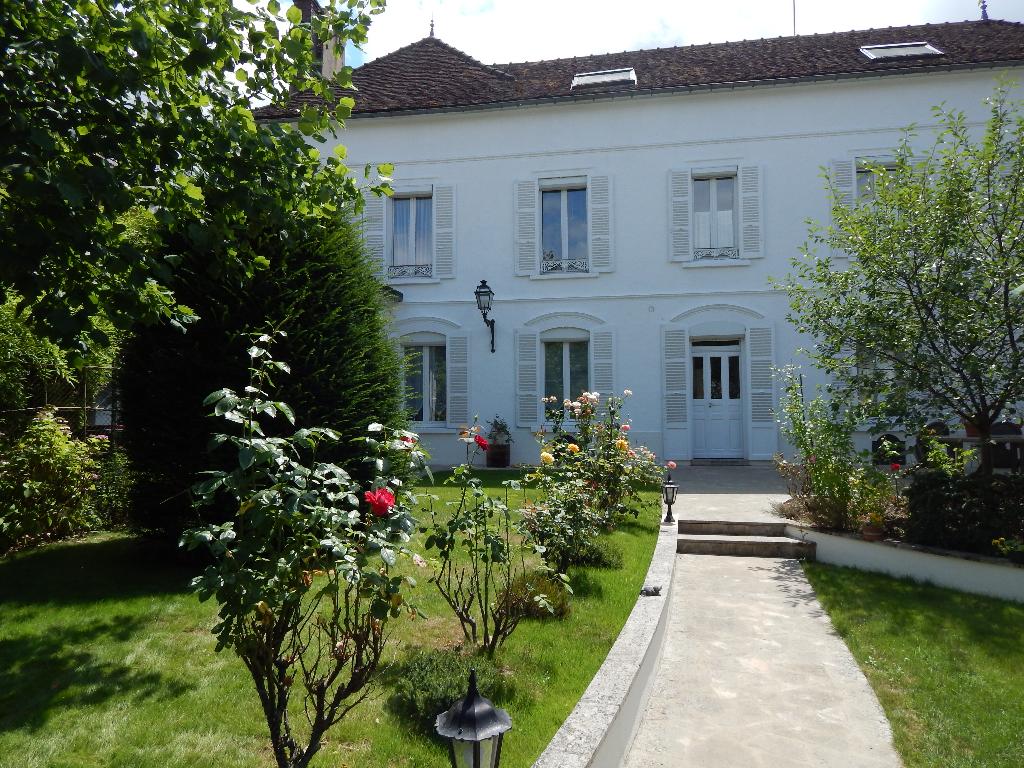 Maison Sens 11 pièce(s) 275 m2