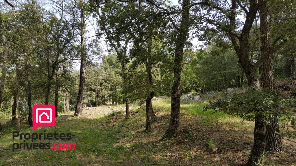 83136 La Roquebrussanne terrain de 900 m² constructible