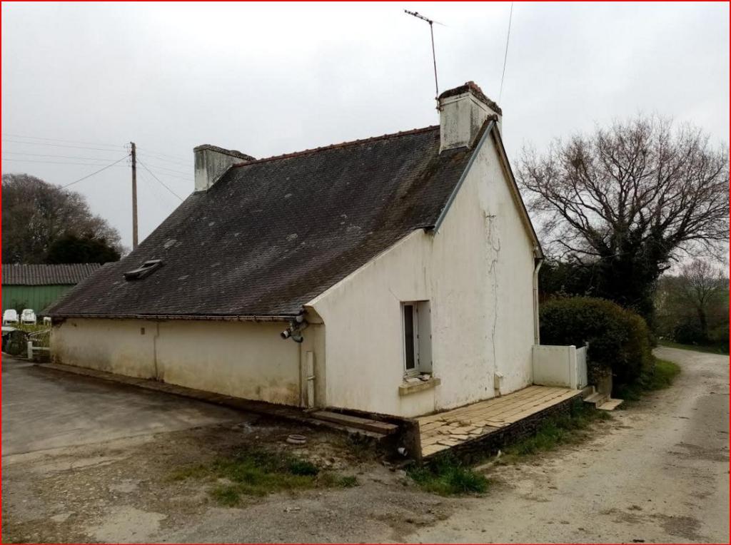 29270 Kergloff  dans un hameau maison de 73 m² à rafraîchir 3 chambres