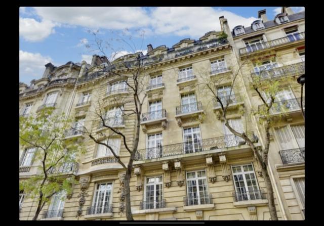 PARIS 75016 PARIS VICTOR HUGO APPARTEMENT ET ACTIVITE LIBERALE 305 m² STYLE ET ELEGANCE