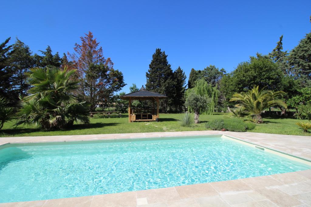 Villa  7 pièce(s) 170 m2 - piscine - 3600 m² terrain - 649 000 euros