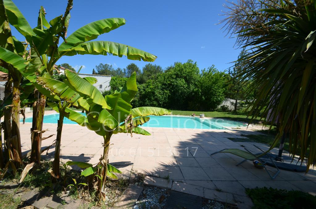 Maison  6 chambres (s) 285 m2 sur beau terrain, village Nord Montpellier