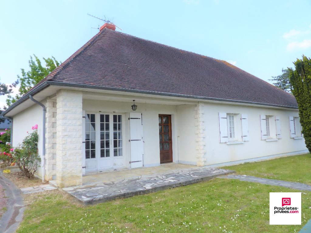 Maison Chinon 5 pièce(s) 140 m2, Garages et Jardin de 1500m²