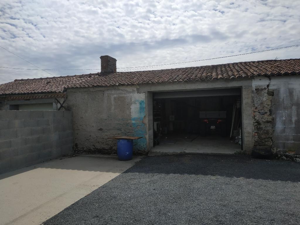 Garage 40m² réhabilitable en habitation, Le Landreau (44430)