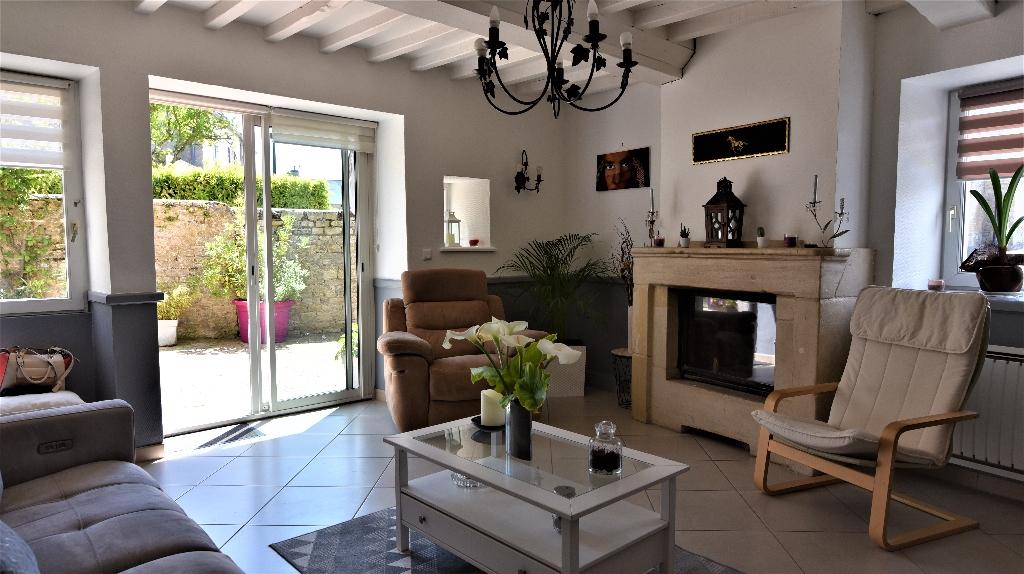 Maison en pierres : 6 pièces 130 m2 avec jardin