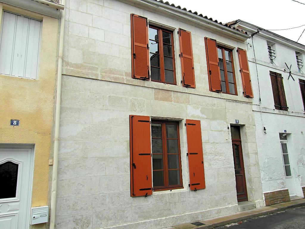 Luçon maison de ville avec 3 chambres et garage