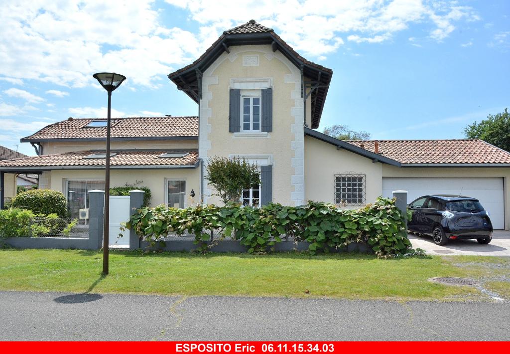 Maison de pays Saint Julien En Born 9 pièce(s) 238 m2