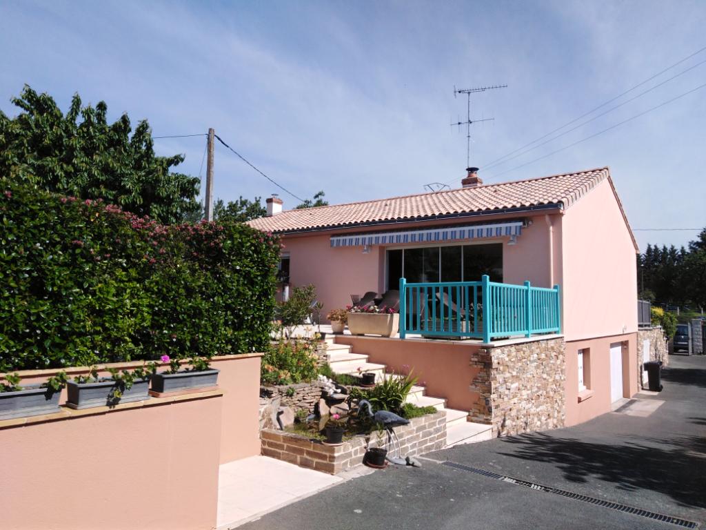 Maison Saint Florent Le Vieil 6 pièce(s) 130 m2