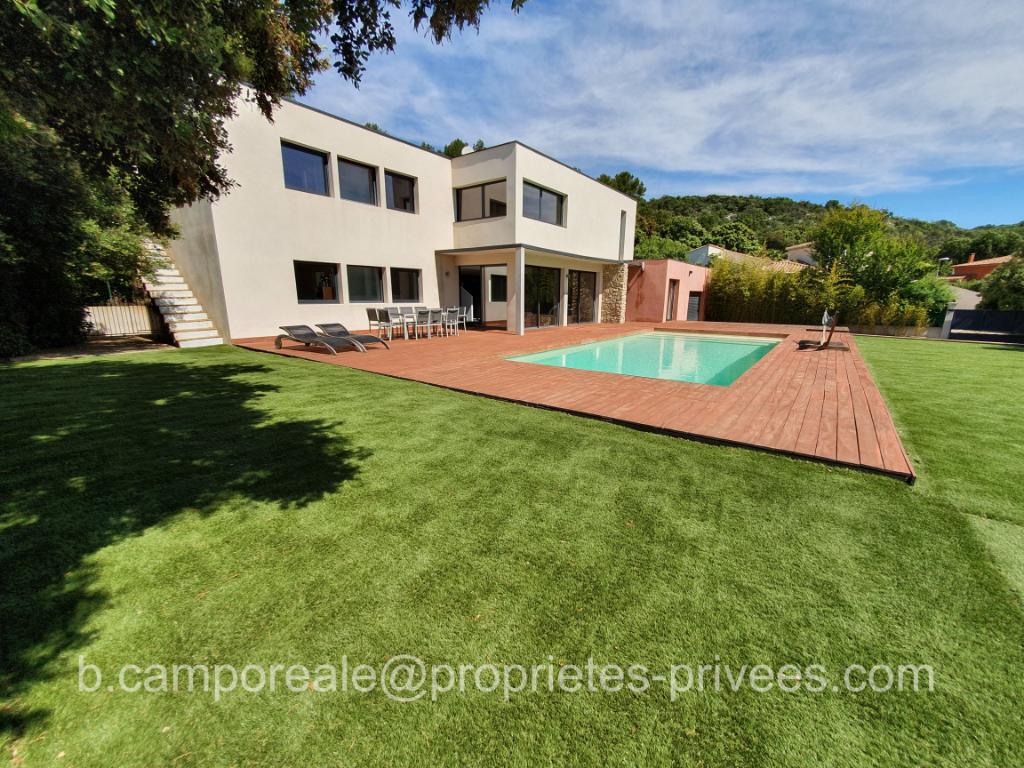 Uzès Nîmes Pont du Gard : Magnifique villa d'architecte 6 chambres avec piscine + appartement P3 avec 3 garages