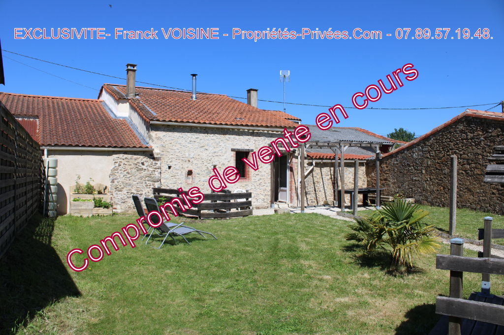 Maison Saint Paul En Pareds  en village  en EXCLUSIVITE - 3 Chambres- 92 m2 - Terrain 400 M2 env