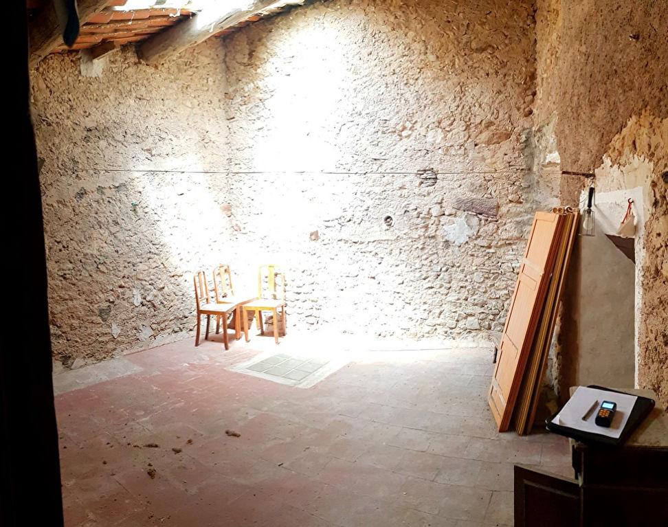 Maison de village à restaurer avec fort potentiel