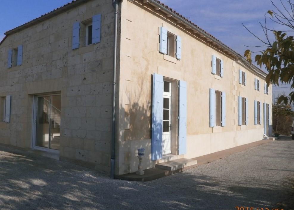 Maison de maître  à St Fort Sur Gironde 9 pièces 319 m2