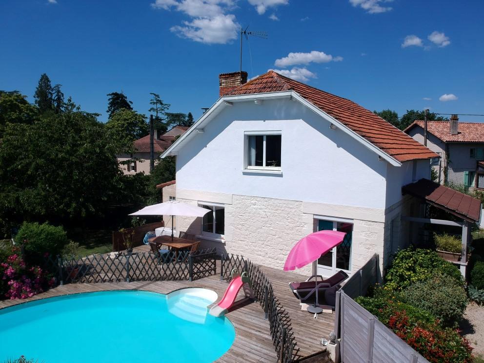 Maison + gîte avec piscine et grange