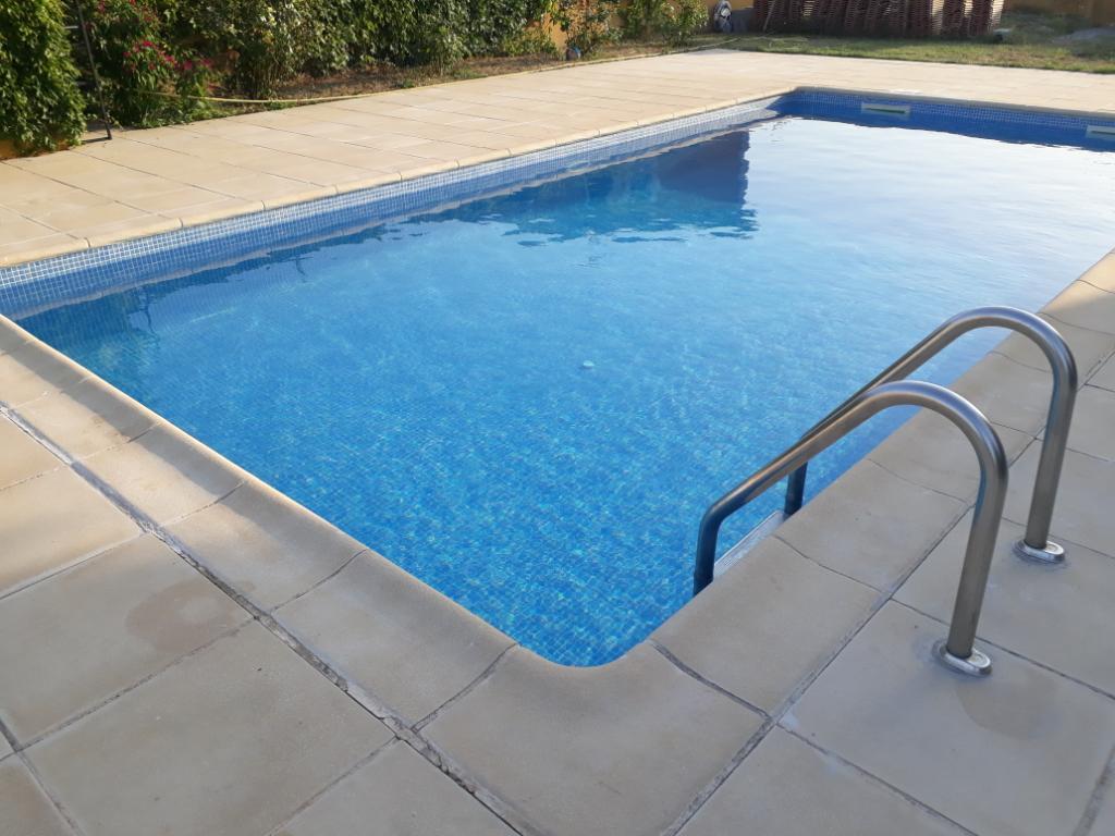 Appartement de 3 pièce(s) 56 m2  piscine et jardin à 8 Kms de Gignac-35 kms Montpellier