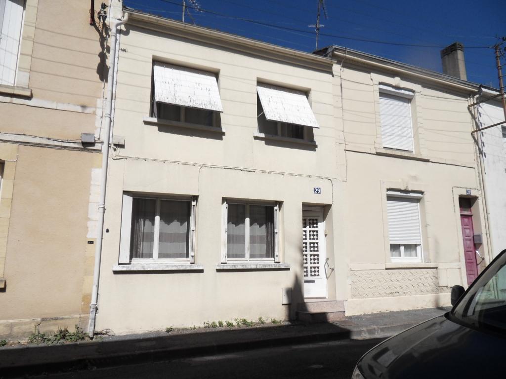 Maison Bergerac centre ville  4 pièces 107m2 véranda cour