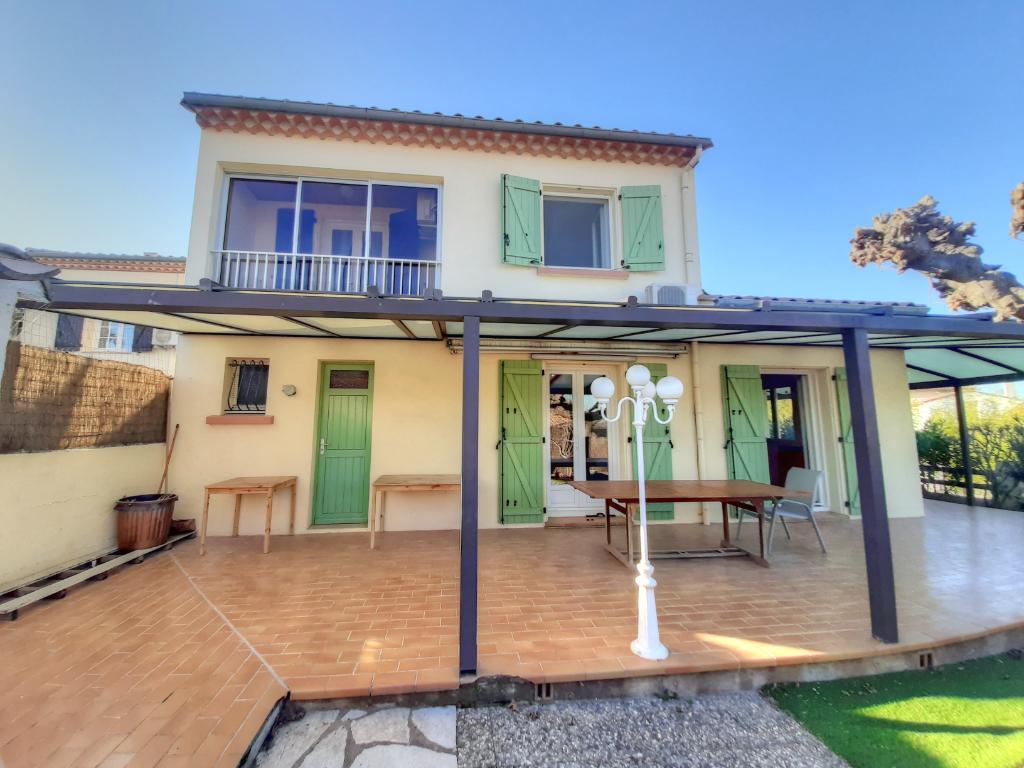Maison Familiale avec 5 Chambres d'environ 140 m²