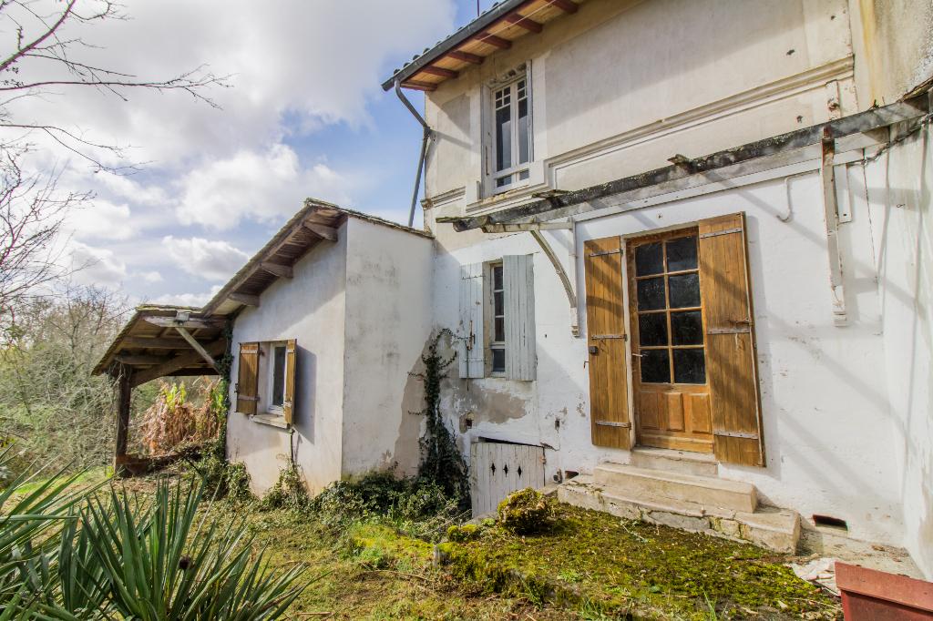 24700 - LE PIZOU - Maison ancienne en pierres à rénover