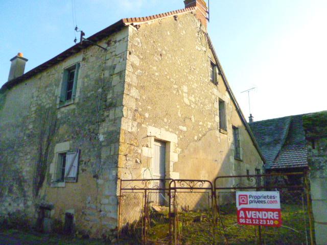 EXCLUSIVITE- Proche LA ROCHE POSAY,  Maison à rénover- A saisir