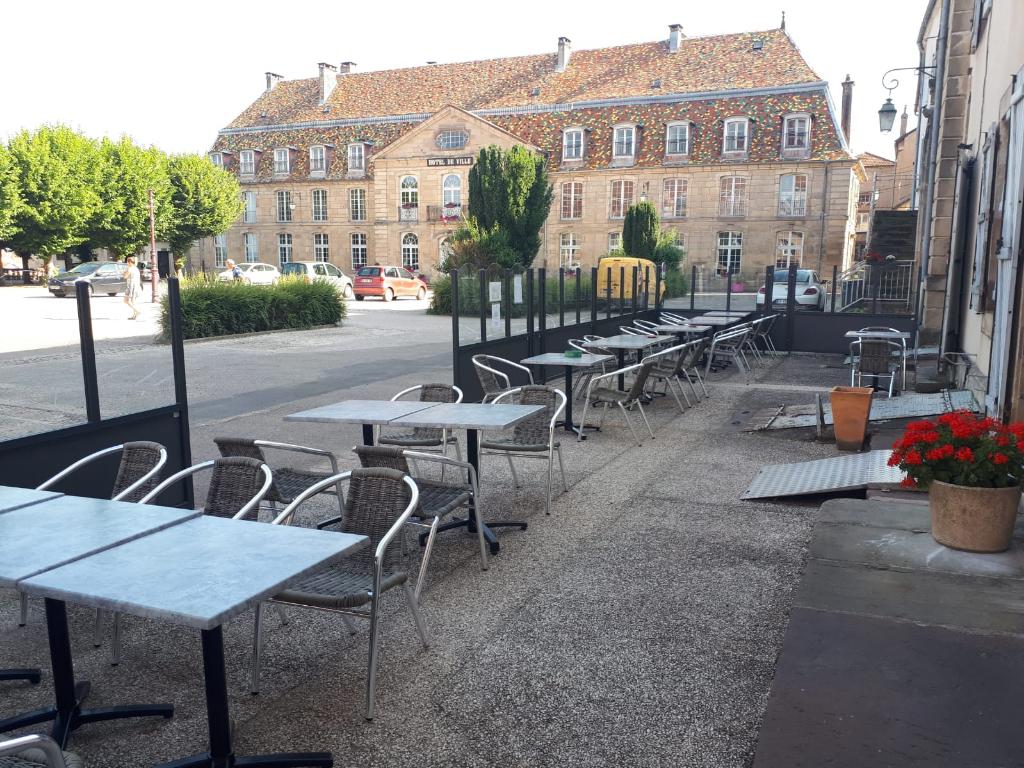 EXLUSIVITE VAUVILLIERS - Murs Hôtel Bar Restaurant