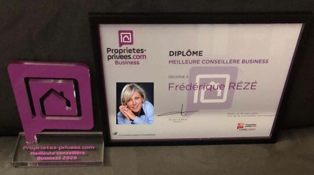 75008 PARIS : Restauration rapide vente sur place et à emporter