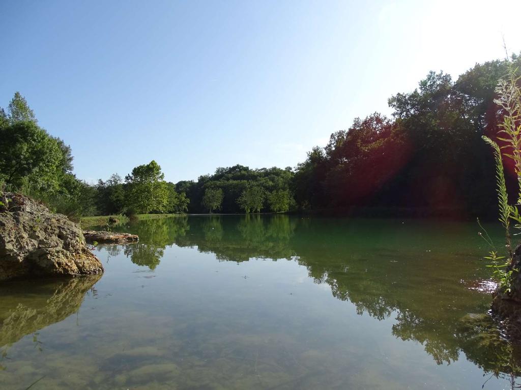 Ancien corps de ferme, 6 Ha avec lac
