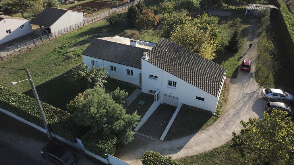 Villa Gemozac 5 pièce(s) 160 m2