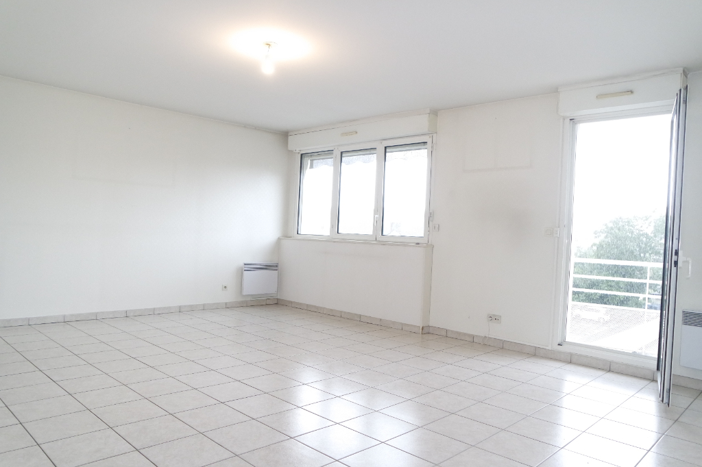 BOURGES APPARTEMENT DE 97M² 4 PIECES BALCON