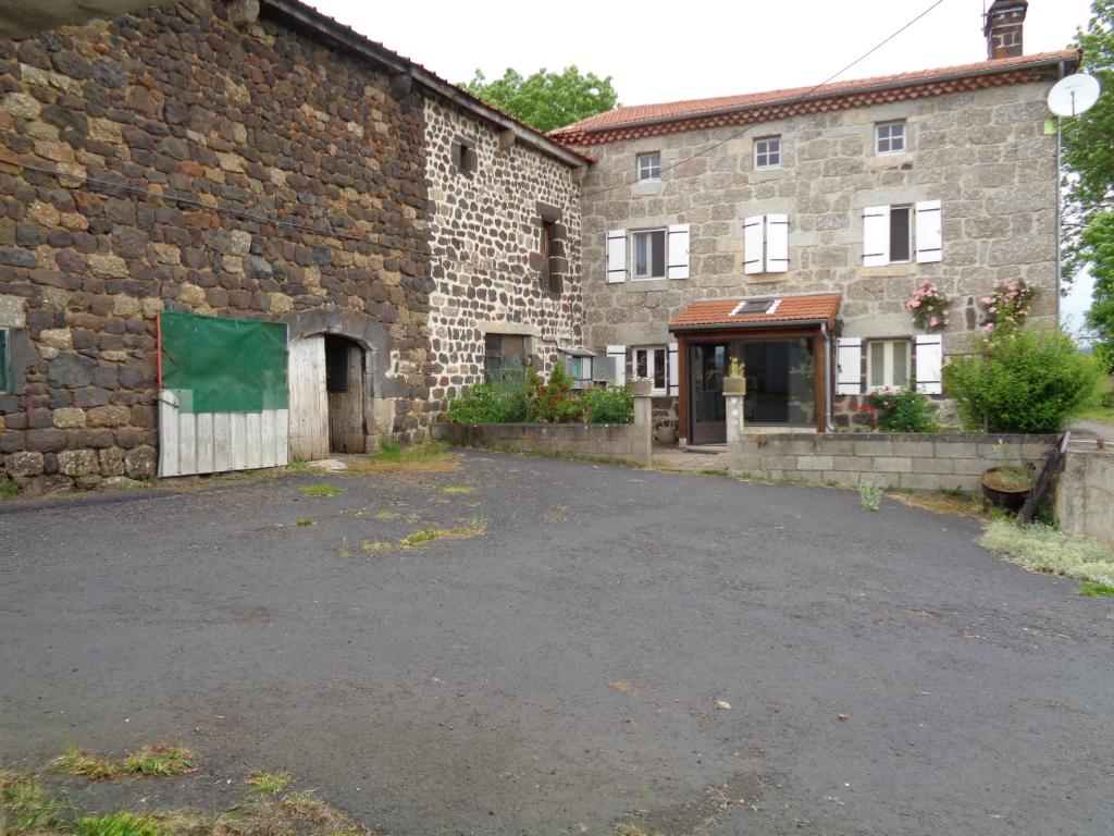 Monistrol d'Allier(43), maison de campagne de 140m2 habitables, 3 chambres + annexes