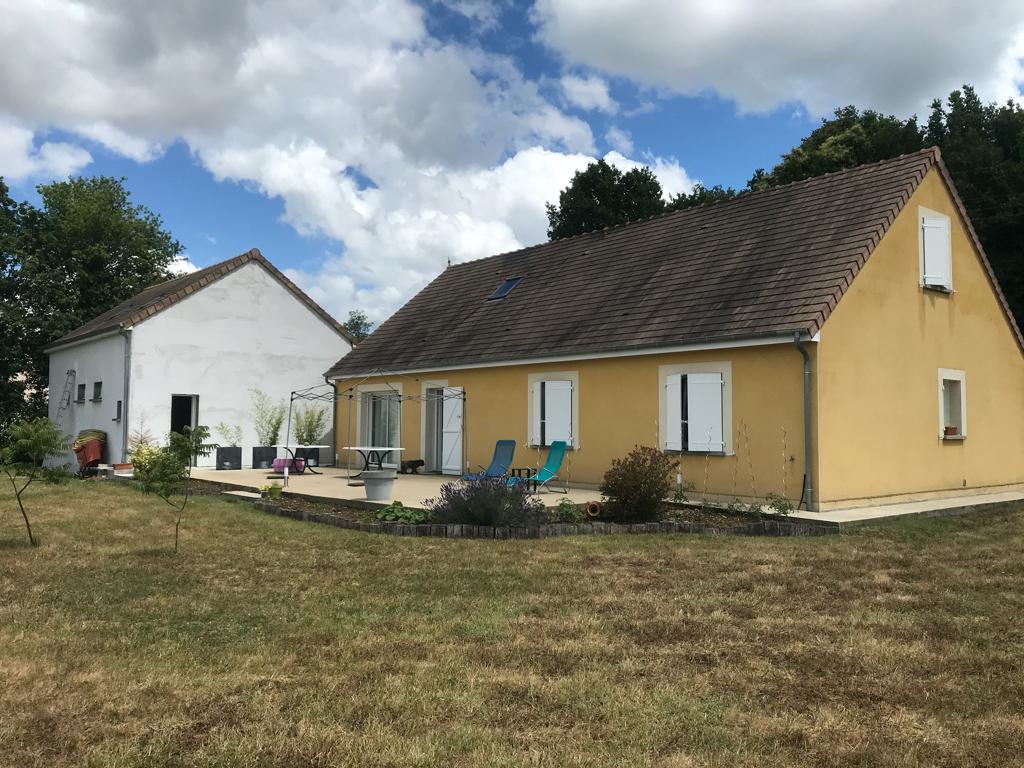 Maison Parce Sur Sarthe 7 pièce(s) 160 m2