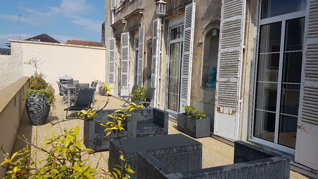 Magnifique appartement hyper centre avec terrasse et garage