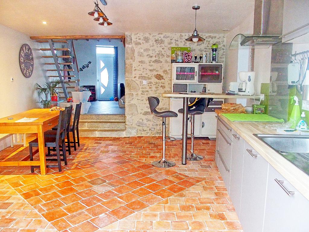 Maison - 4 piece(s) - 110 m²
