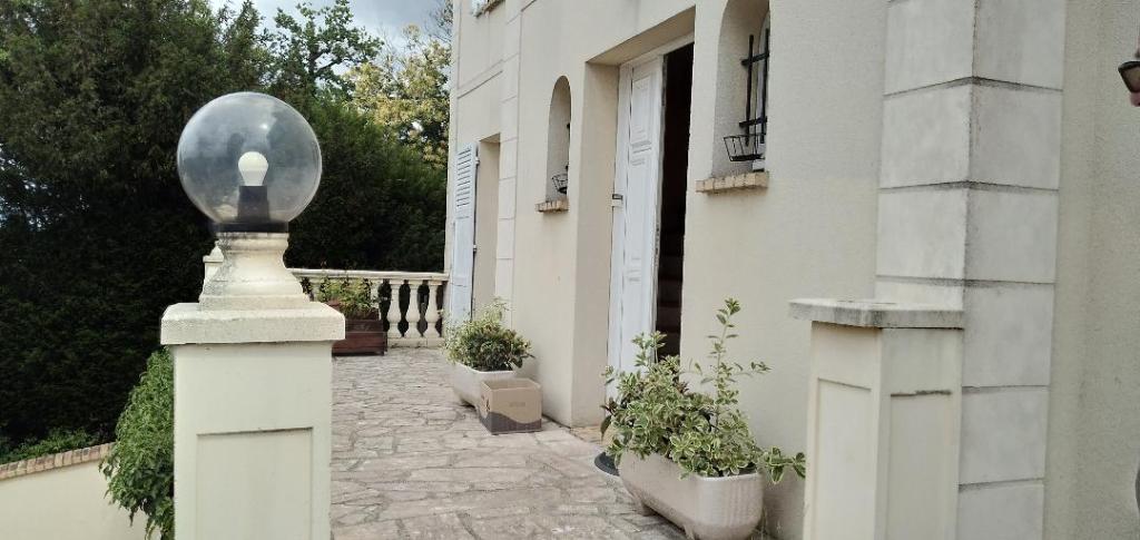 Maison Osny 95520 8 pièce(s) 175 m2