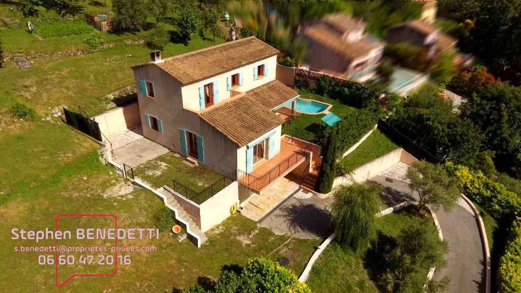 Maison individuelle 5 pièces de 135 m², Terrain de 1980 m² et Piscine