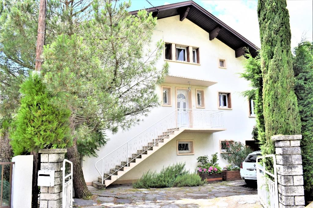 Maison Albertville 9 pièces 199 m2