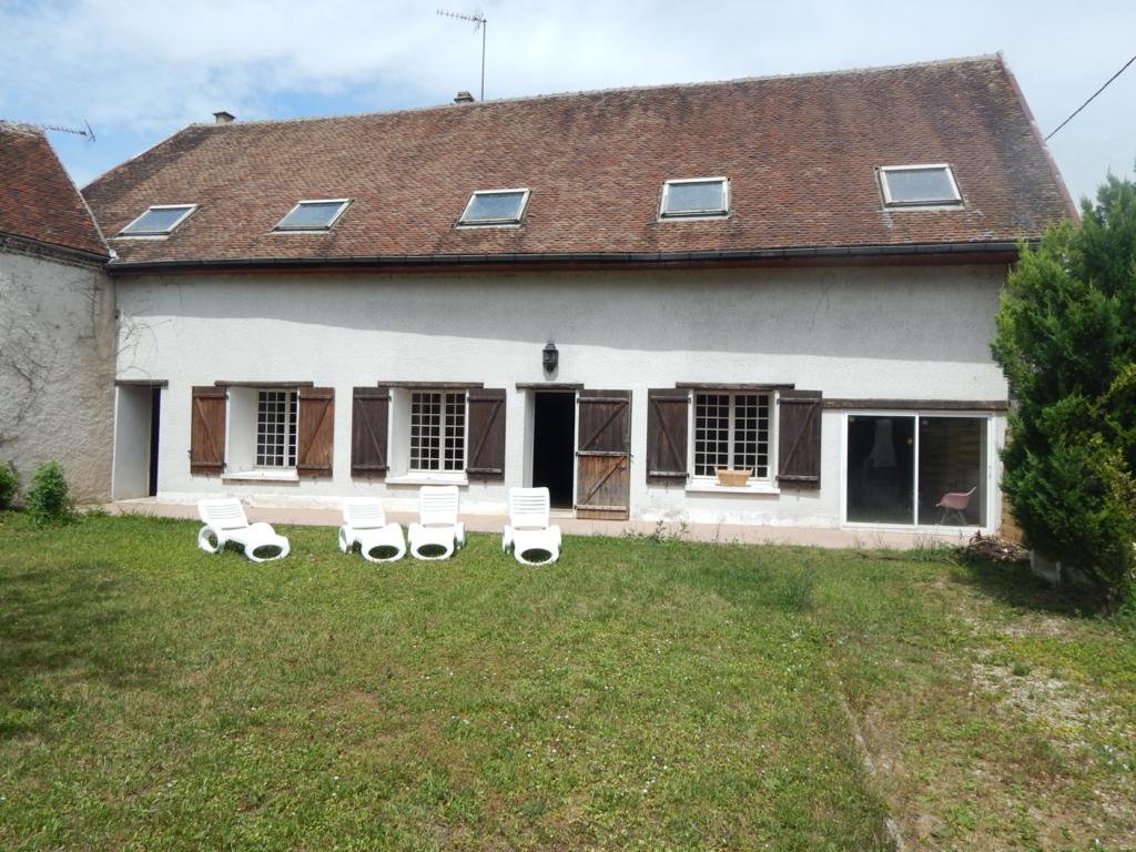 Maison Villeneuve L Archeveque 3 pièce(s) 112 m2