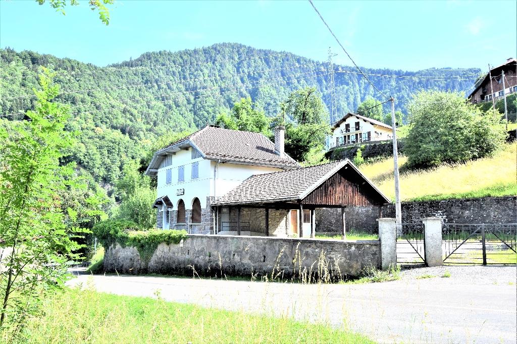 Maison Ugine 9 pièces 170 m2