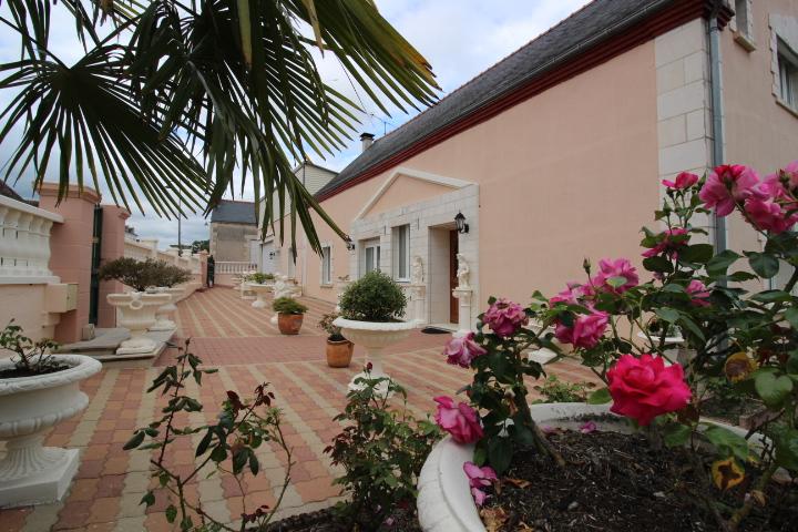 Maison Lureuil 12 pièce(s) 210 m2