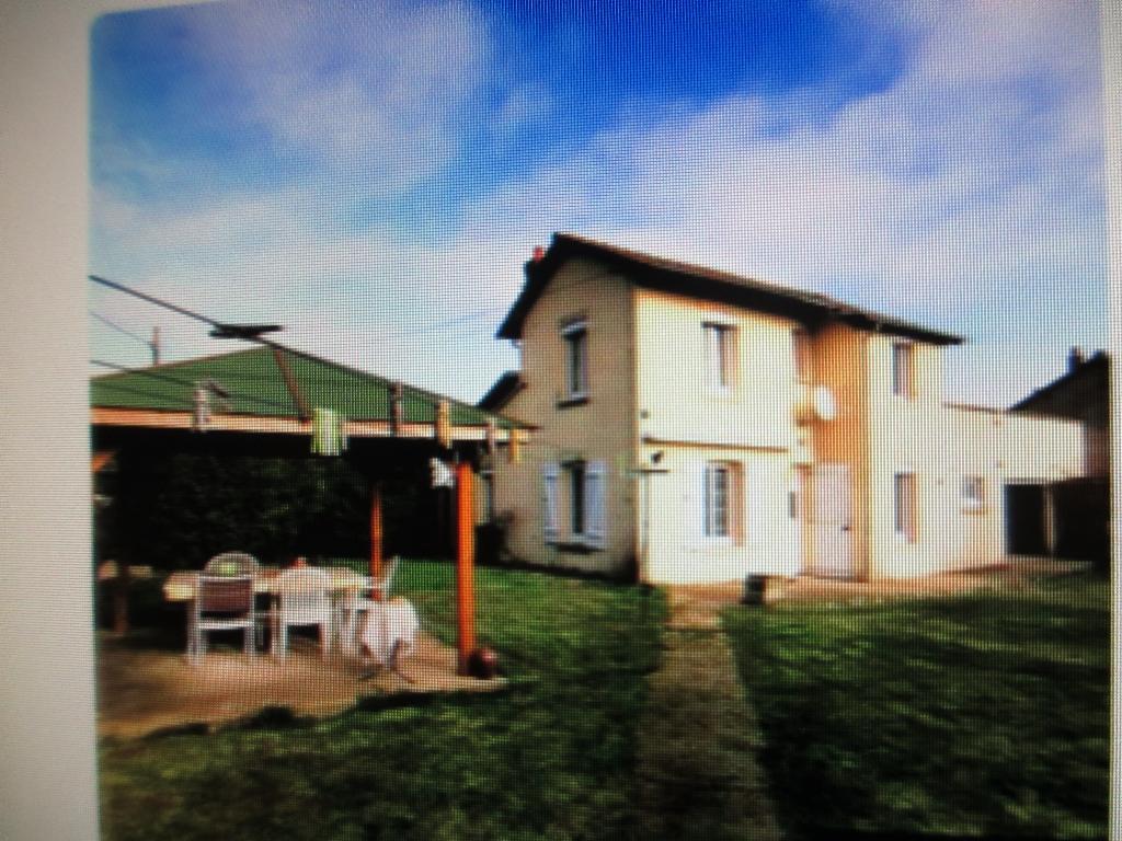 A vendre,  60240, Maison de 5 pièces, 550 m²  de terrain, 234000
