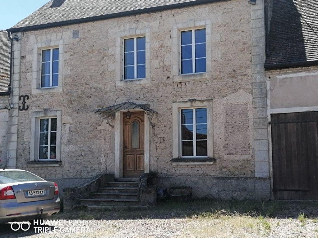 BELFONDS 61500,  maison en pierre  4 pièces , 3 chambres superficie de 115 m2 environ  pour 158 500 euros  (honoraires charge vendeur)