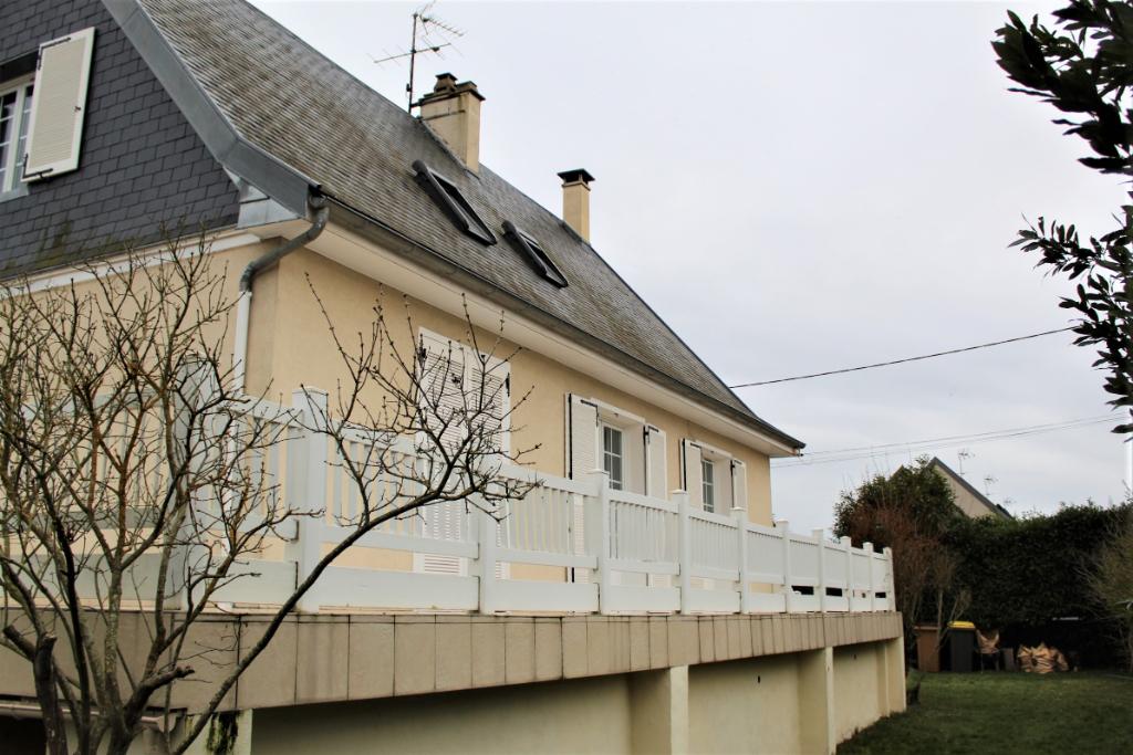 Maison Dreux (28100), 136 m², 4 chambres, sous-sol total, terrain clos de 600 m², 239 177 HAI