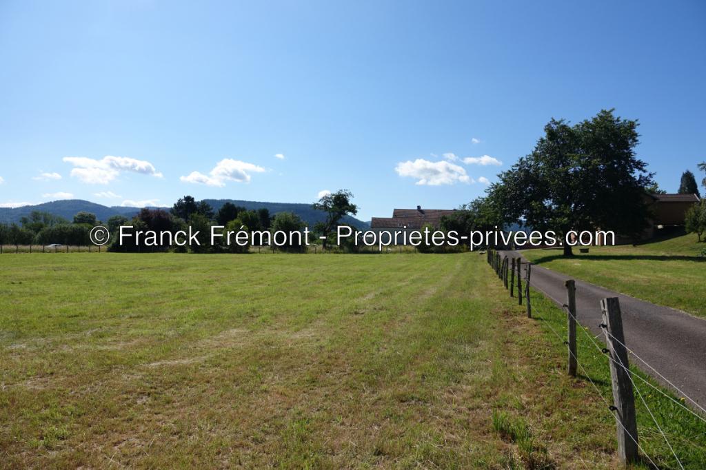 Terrain de 1000 m2 à Saint-Etienne Les Remiremont