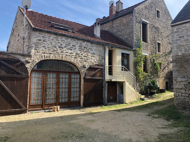 Maison 6 pièces Lucy-Le-Bois + grange