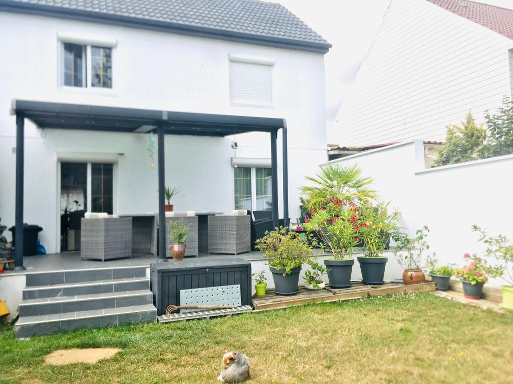 Maison familiale rénovée  Longueau, 5 pièces 110 m2 avec jardin et terrasse